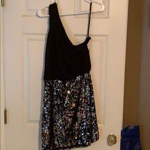 Dresses & Skirts - One shoulder sequin dress
